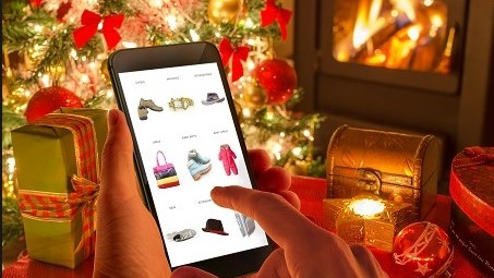 tips to avoiding holiday overspending, retail expert, university of north texas, digital retailing degree, online shopping